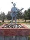 7_guthrie_statue